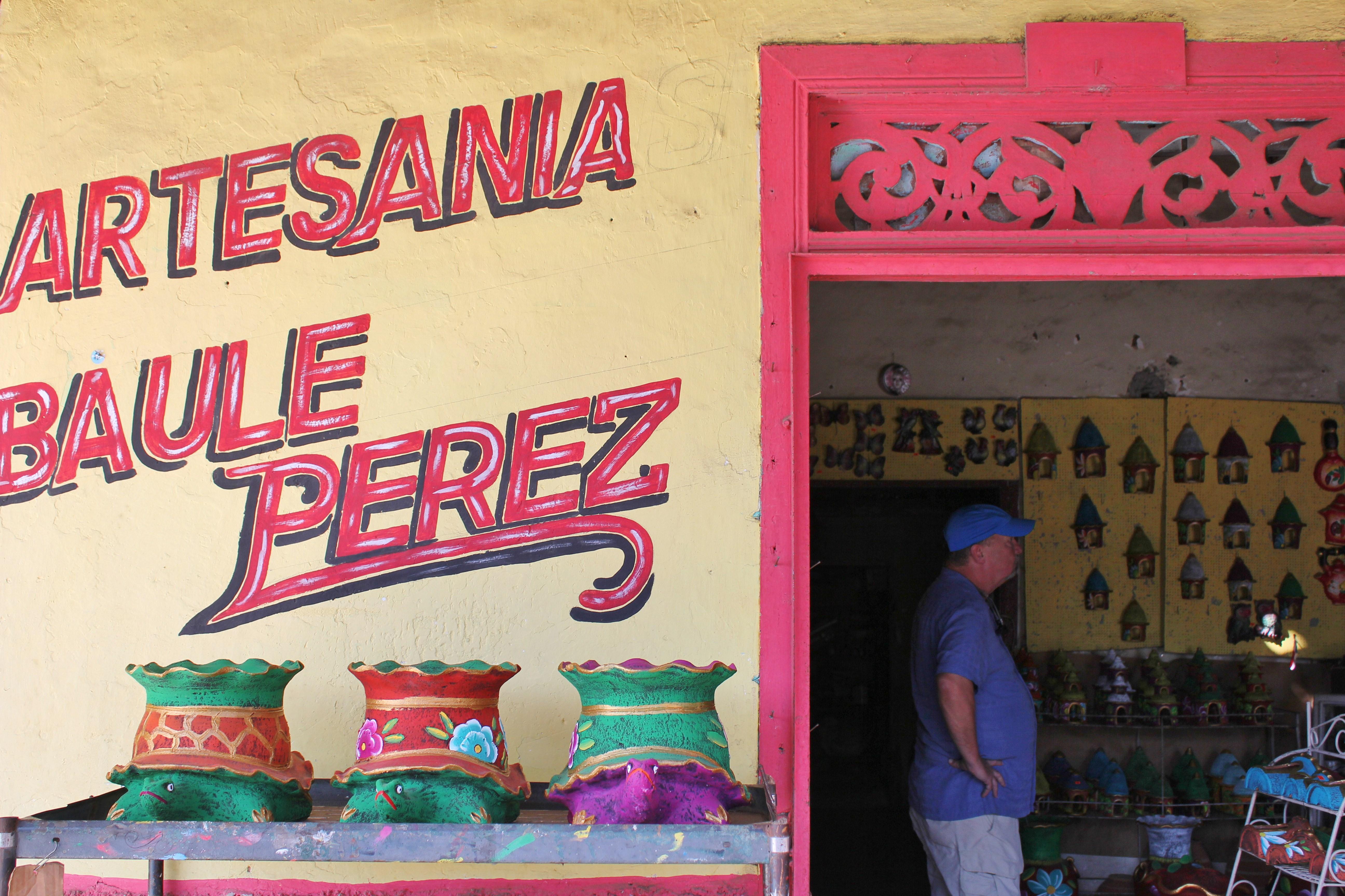pottery-shop-la-arena-panama A Panama Road Trip Panama Panama Fairs and Festivals