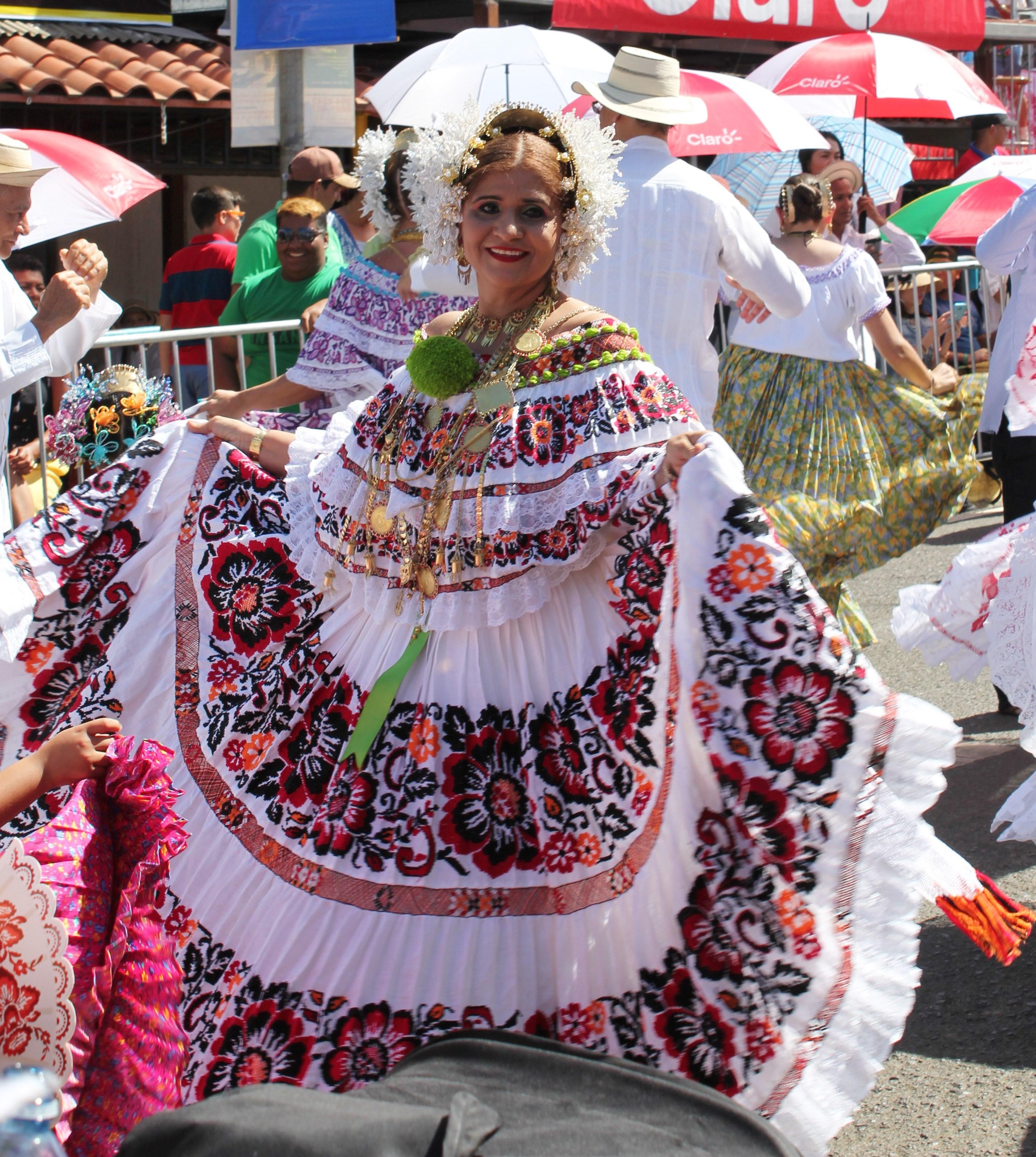 restaurant-lady-in-pollera-parade A Panama Road Trip Panama Panama Fairs and Festivals