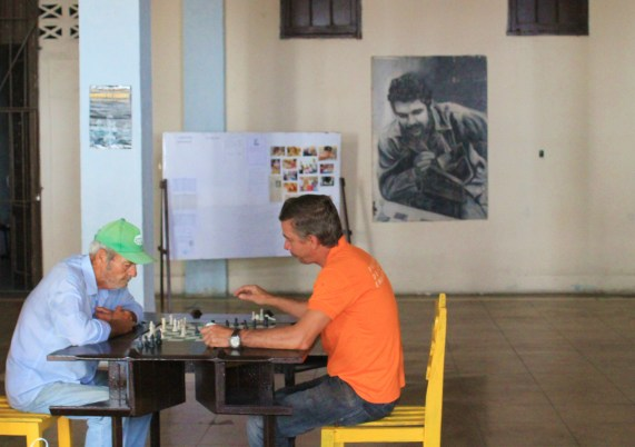 Che-and-Chess-Cienfuegos A Cuban Road Trip, Part 1 - Cienfuegos Cienfuegos Cuba