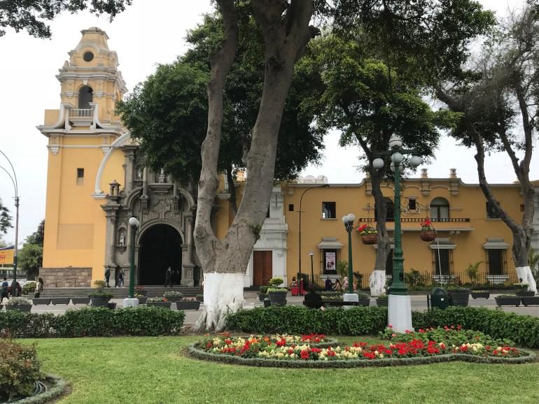 LI9K7P1IQ8qvXJQhRBBPdQ-1024x768 Peru Explorations: Lima Highlights Lima Peru