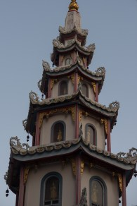 Pagoda, hidden down a narrow alley off Rajawong road