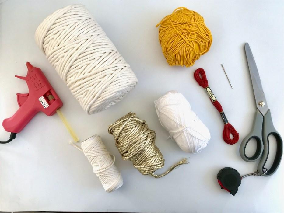fournitures pour faire un arc en ciel en coton macramé ou a crochet
