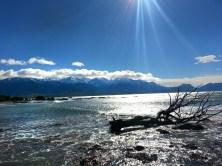 Kaikoura. Mar y montañas nevadas al fondo