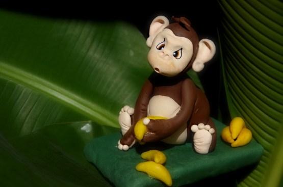 petit singe en porcelaine froide et ses bananes, PAM