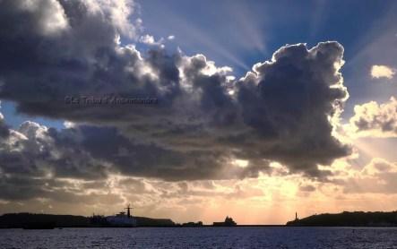 soleil de fin de journée, nuages, rade de Brest