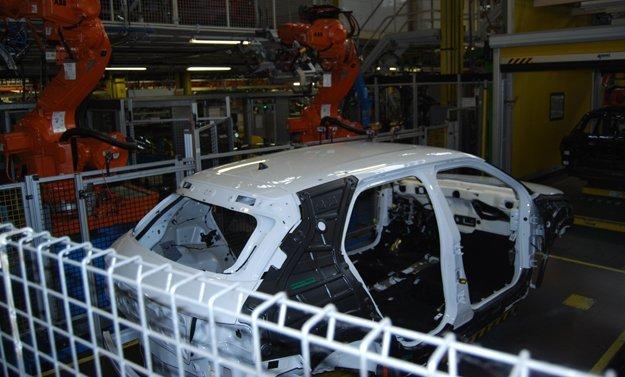 Archivo. Fabricación del Citroën C4 Cactus en Madrid.