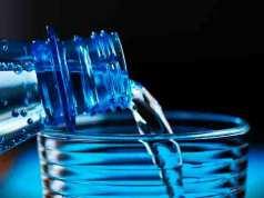 cuanta agua hay que beber diariamente