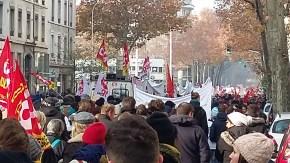 Quand Lyon manifeste par dizaines de milliers.