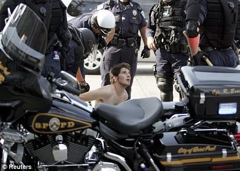 """""""Alto, estas arrestado"""""""