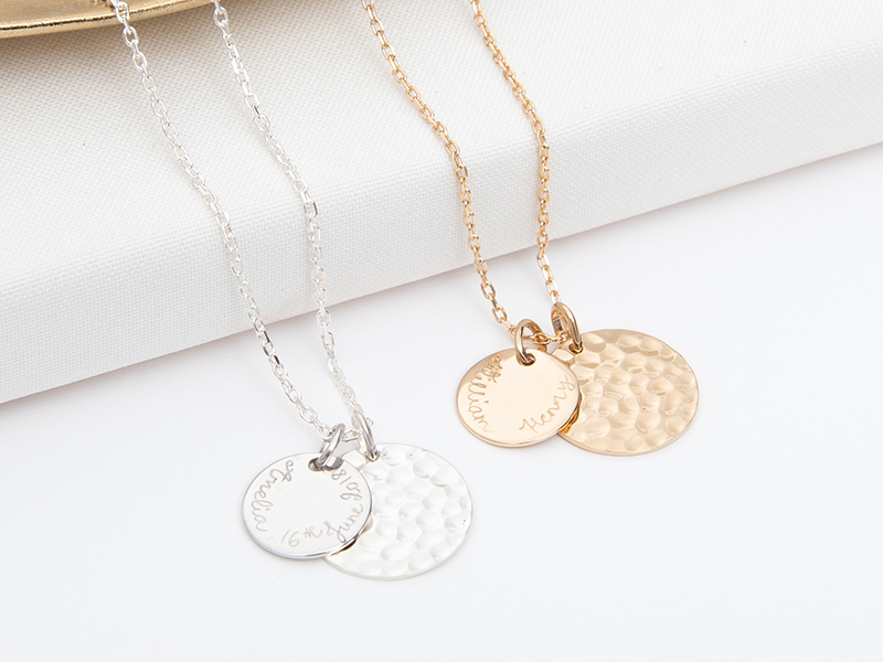 merci-maman-her-mum-gold-plated-sterling-silver-personalised-large-hammered-disc-necklace-lifestyle-2-christmas-2018-800x6