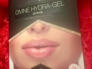 Beauty BLVD || Divine Hydra Gel Lip Mask || Glossy Box unboxing December 2018
