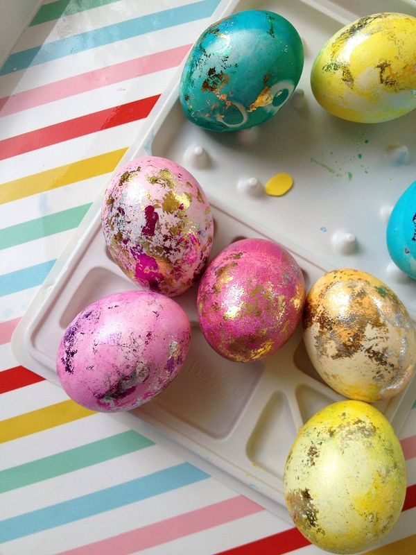 12 creative ways to decorate Easter eggs...