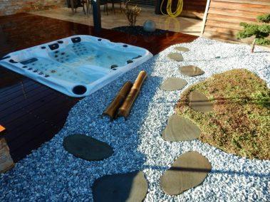 Détente et massage grâce à ce spa aménagé dans une ambiance zen