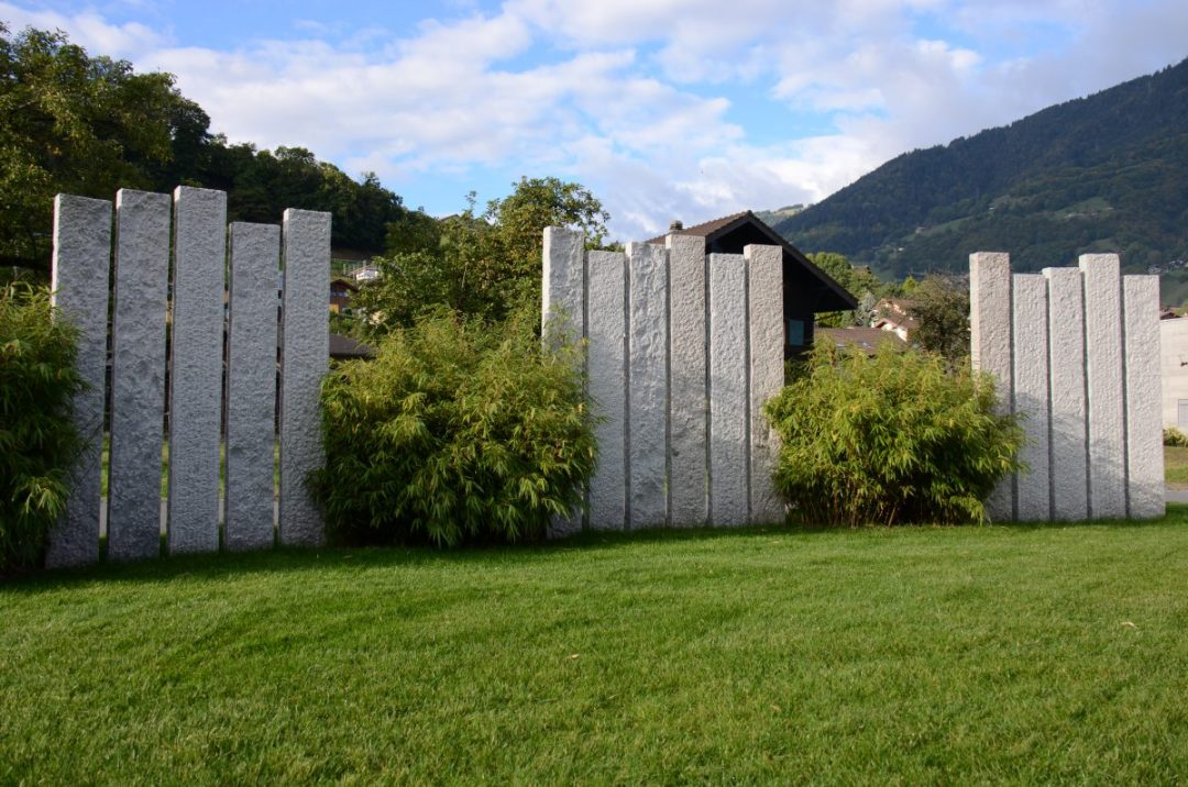 Lattion&Veillard_Paysagiste_Piscine_Spa_Valais_Vaud_Palissades granit