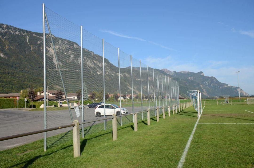 treillis galva 5 mètres pour terrain de foot en Valais