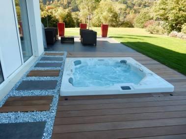 Un spa Everblue Eden Dream D St en Suisse avec aménagement