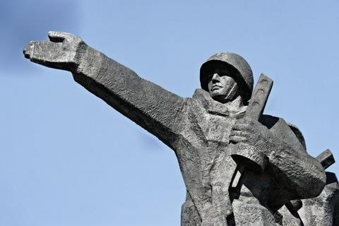 Bild: Impressionen vom Siegesdenkmal in Rīga.