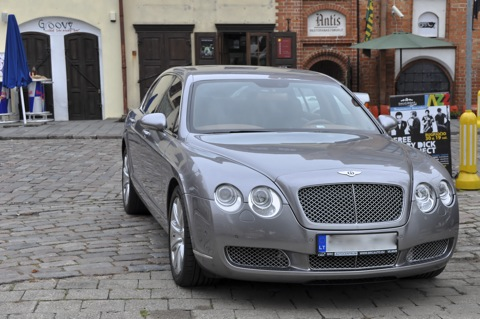 Bild: Bentley in Kaunas. Foto © 2011 by Bert Ecke.