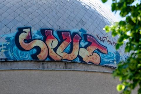 Bild: Graffiti am Planetarium von Vilnius im Stadtteil Šnipiškės. NIKON D700 und AF-S NIKKOR 24-120 mm 1:4G ED VR.