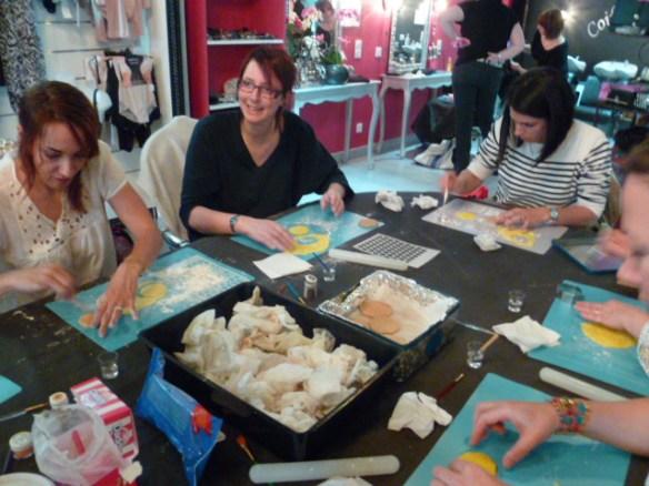 atelier décoration de biscuit en pate à sucre