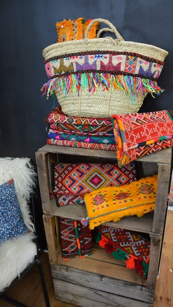Balade d co au salon vivre c t sud st tropez l 39 atypique blog - Rock the kasbah deco ...
