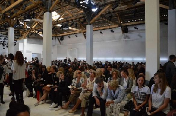 public défilé dimanche 26 avril festival de la mode