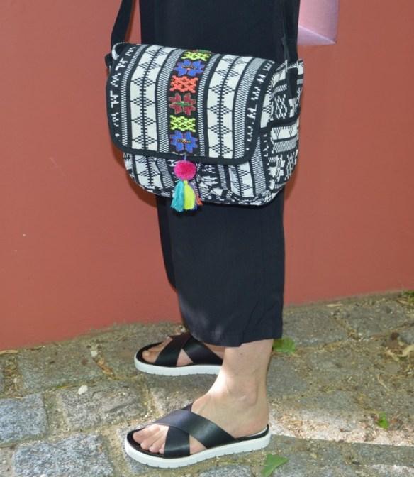 accessoires sandales à semelles blanches gémo sac etnique monoprix