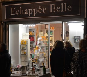 l'échappée belle au Mourillon à Toulon est une boutique de cosmétiques pour femmes, hommes et enfants proposant notamment les marques le couvent des minimes, mülhe, too fruit et les bougies la française