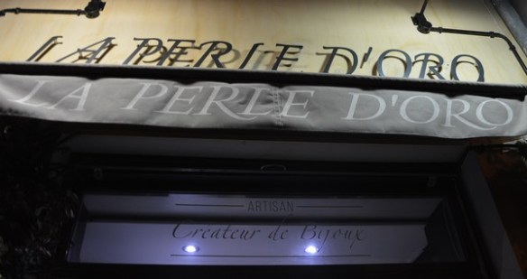 La boutique de la perle d'oro, une créatrice de bijoux made in toulon, fait partie de mes bonnes adresses et de mes bons plans shopping de la région