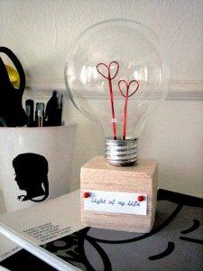 ampoule-coeur-diy-sain-valentin-blog-designsponge