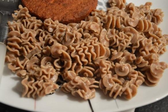 pates-insectes-criquets-nourriture-cuisine-nouveau