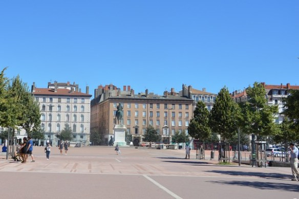 place-bellecour-lyon-bonnesadresses-lyon
