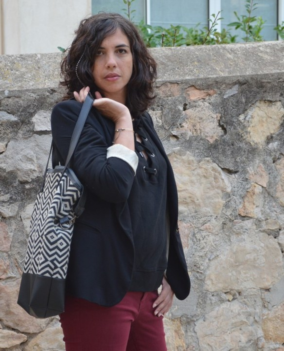 look-back-to-work-rentree-outfit-automne-tenue-sweat-lacets-blogueuse-mode