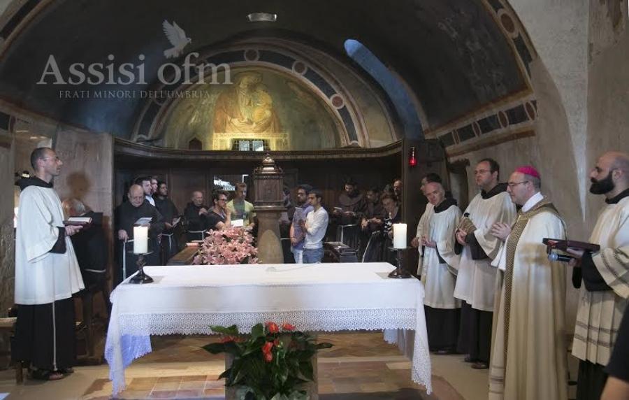Vespri a San Damiano presieduti da Mons. Felice Accrocca