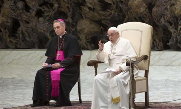 Papa Francesco: la Notte di Natale illumini la vita delle persone sole