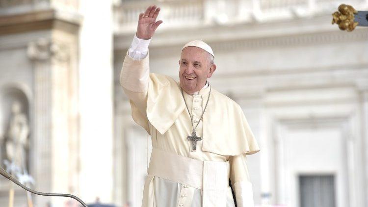 Il Papa: il diavolo divide, Dio unisce. Dobbiamo scegliere con chi stare
