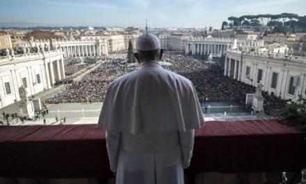 """Oggi Benedizione """"Urbi et Orbi"""", un atto senza precedenti del Successore di Pietro per ogni credente"""