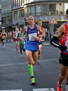 laufen-hilft_frankfurt-marathon-2016_4