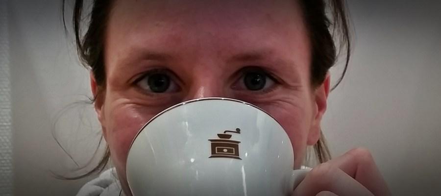 Ein Espresso vor dem Training, Energiegels mit Zusatz von Koffein: ob Kaffee bzw. Koffein eine Leistungssteigerung im Ausdauersport bringt, lest ihr in diesem Blogbeitrag