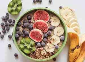 Proteinreiche Zoats - gesundes Frühstück zum Abnehmen aus Haferflocken und Zucchini