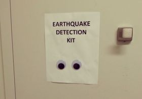 Very Simple and Practical Earthquake Detector