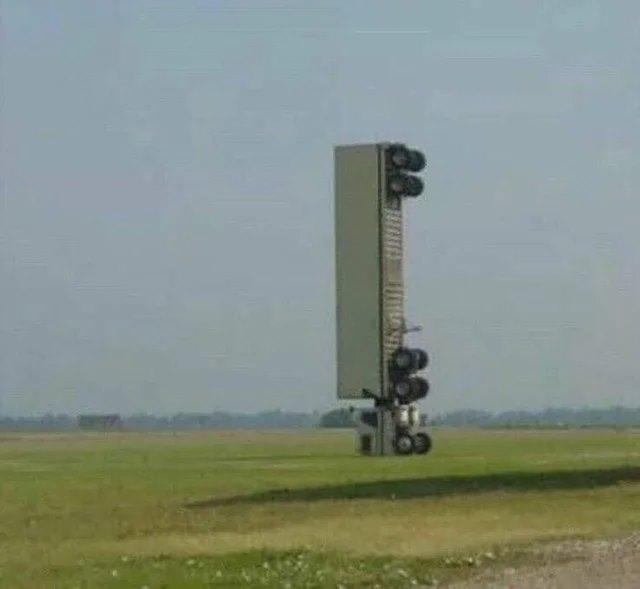 The Pisa Tower of trucks