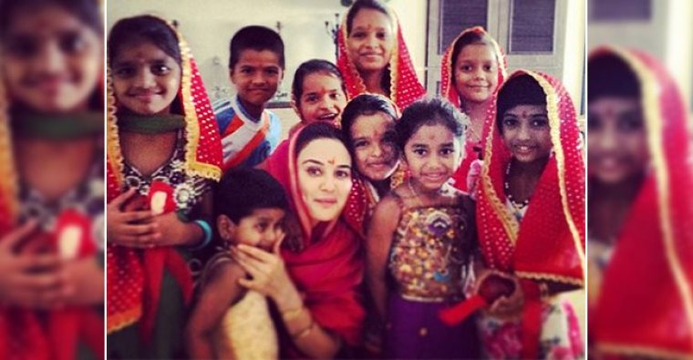 Bollywood Dimple Queen Preity Zinta Adopted Orphan Kids on Her ...