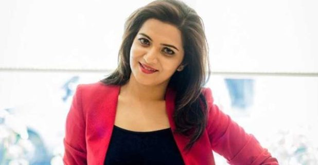 Dhivyadharshini Is A Star TV Anchor, See Her Pictures Here