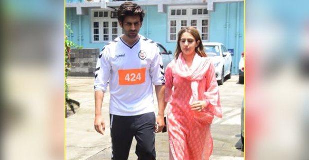 Sara Ali Khan visits Kartik Aryan's ailing father; her humbleness impresses buffs