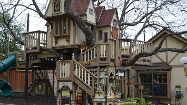 texas couple builds elaborate tree house mansion for grandkids - Biggest Treehouse In The World 2013