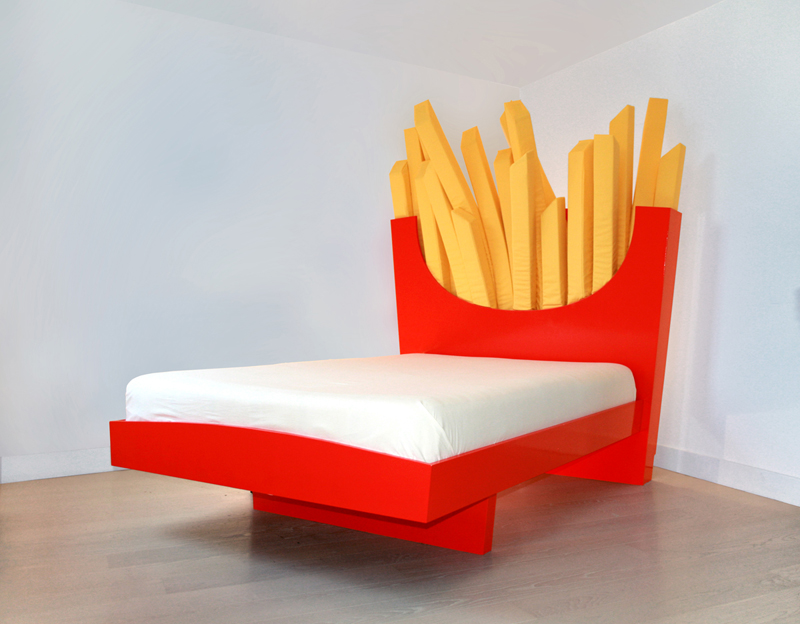 Supersize Bed A Bed With A Headboard Shaped Like A Carton