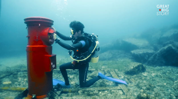 underwater-mailbox The Global's Simplest Underwater Mailbox Used to be In-built Susami, Japan to Carry Vacationers to Their The city Random