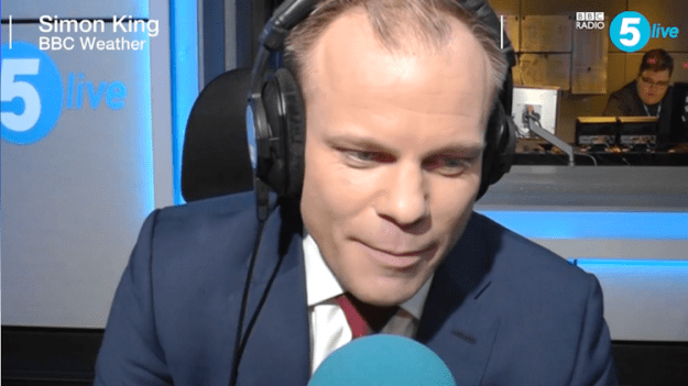 simon-king-slang-weather-report British Meteorologist Brilliantly Incorporates Listener Submitted Slang Into His Morning Weather Report Random