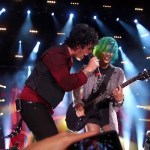 Billie Joe Armstrong Invites a Green-Haired Woman From the Audience Play Guitar With Green Day